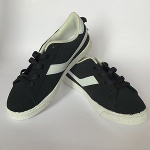 NEW Boys Black & White Shoes